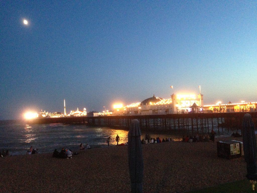 Brighton v noci
